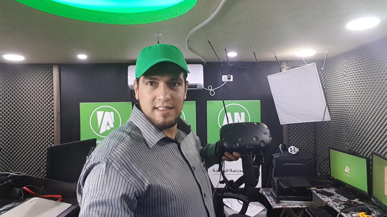 Photo of جولة في استوديوهات احمد ناصر بالعربي للتدريب والبرمجة ٢٠١٧
