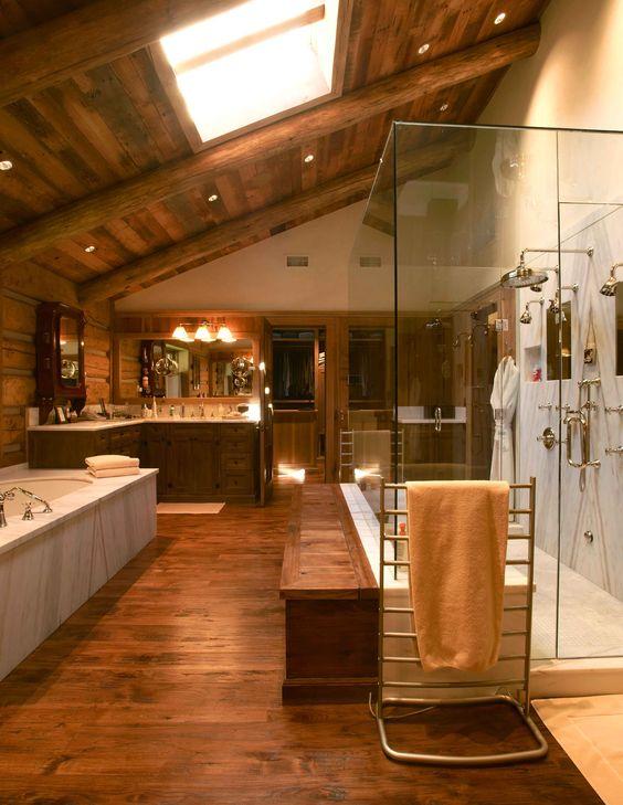 حمام بجدران خشبية