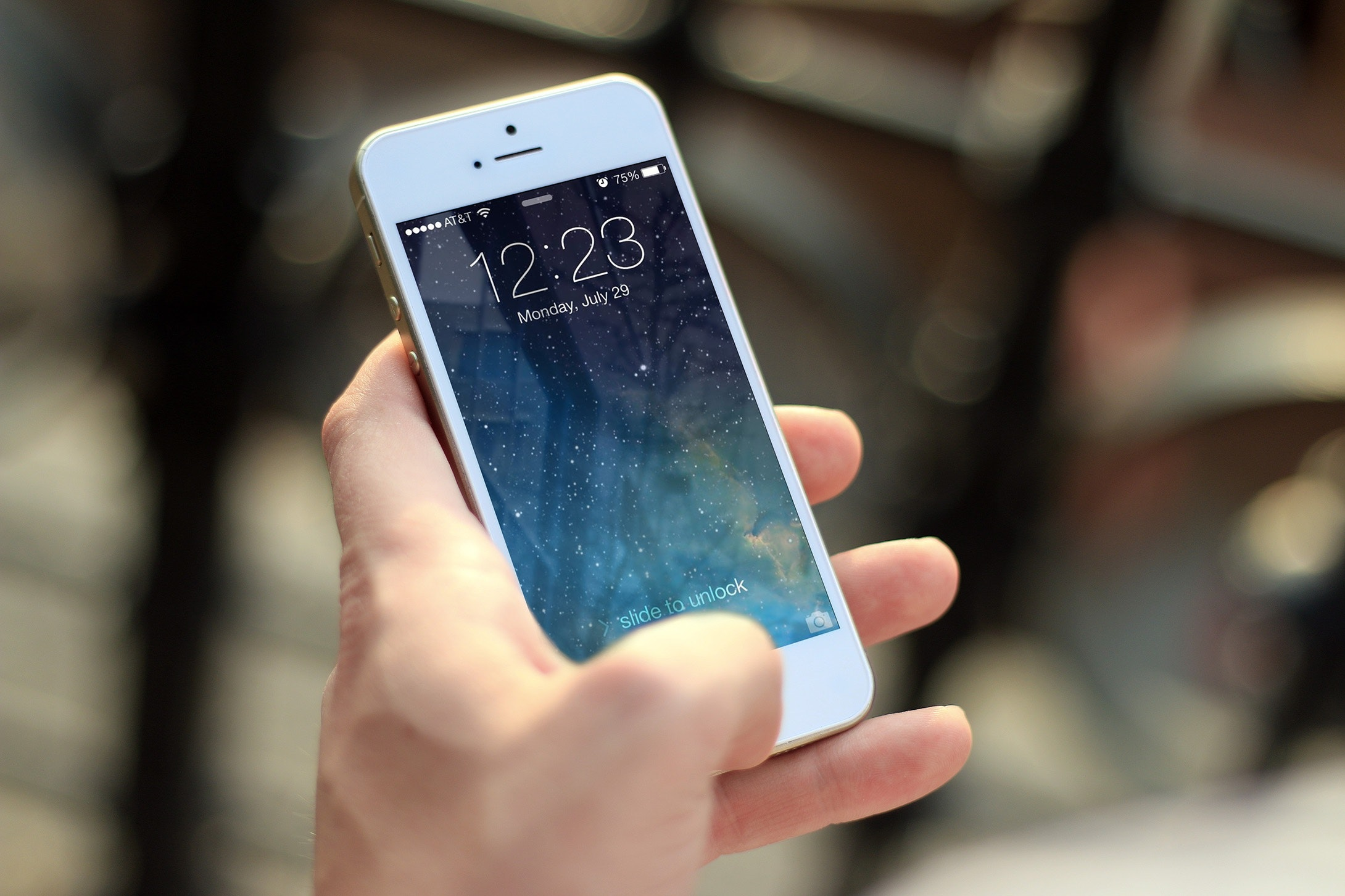 Photo of لماذا يفضل الكثير شراء جهاز أيفون ؟