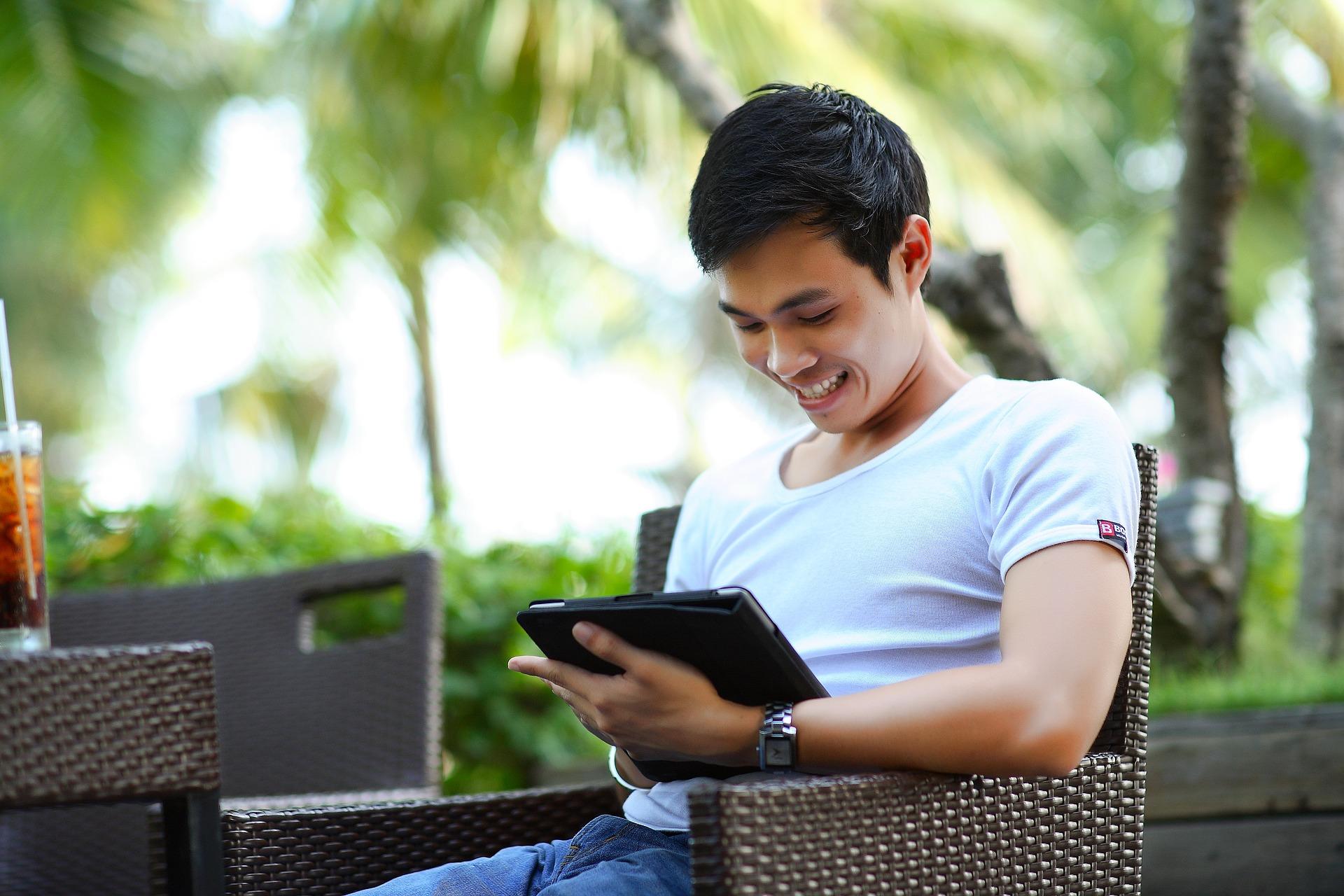 Photo of تعلم اللغة الانجليزية عبر هاتفك الذكي مع هذه التطبيقات