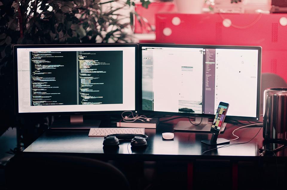 Photo of كيف يترجم الحاسب لغة الالة ؟ و ما هي المترجمات ؟