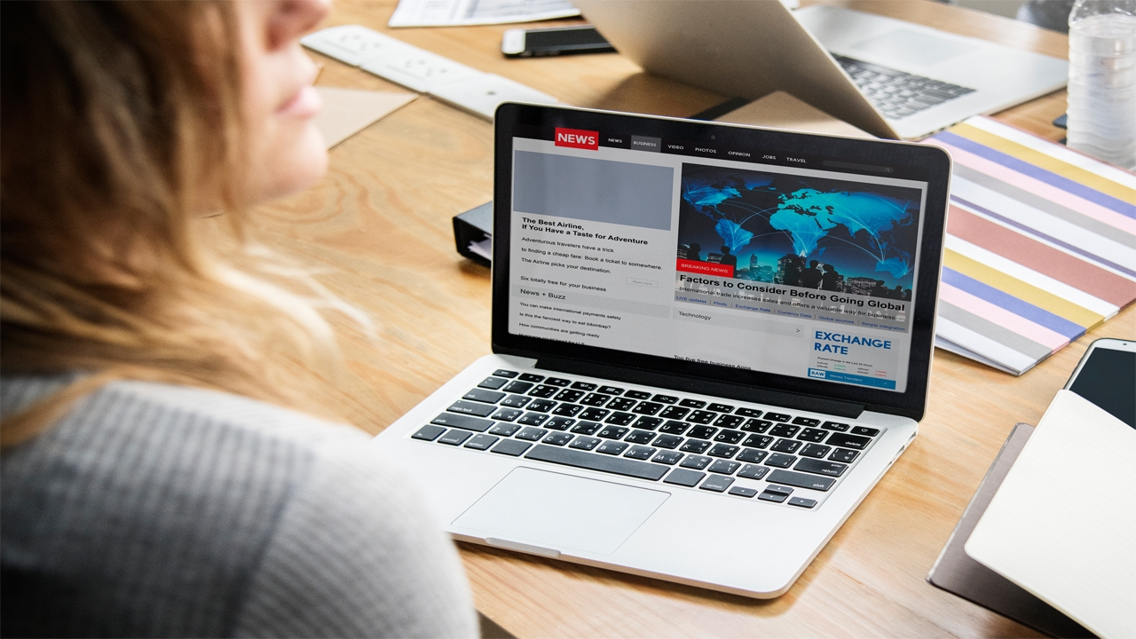 استثمار ضخم من فيس بوك لدعم الصحافة الإلكترونية 2019-2021