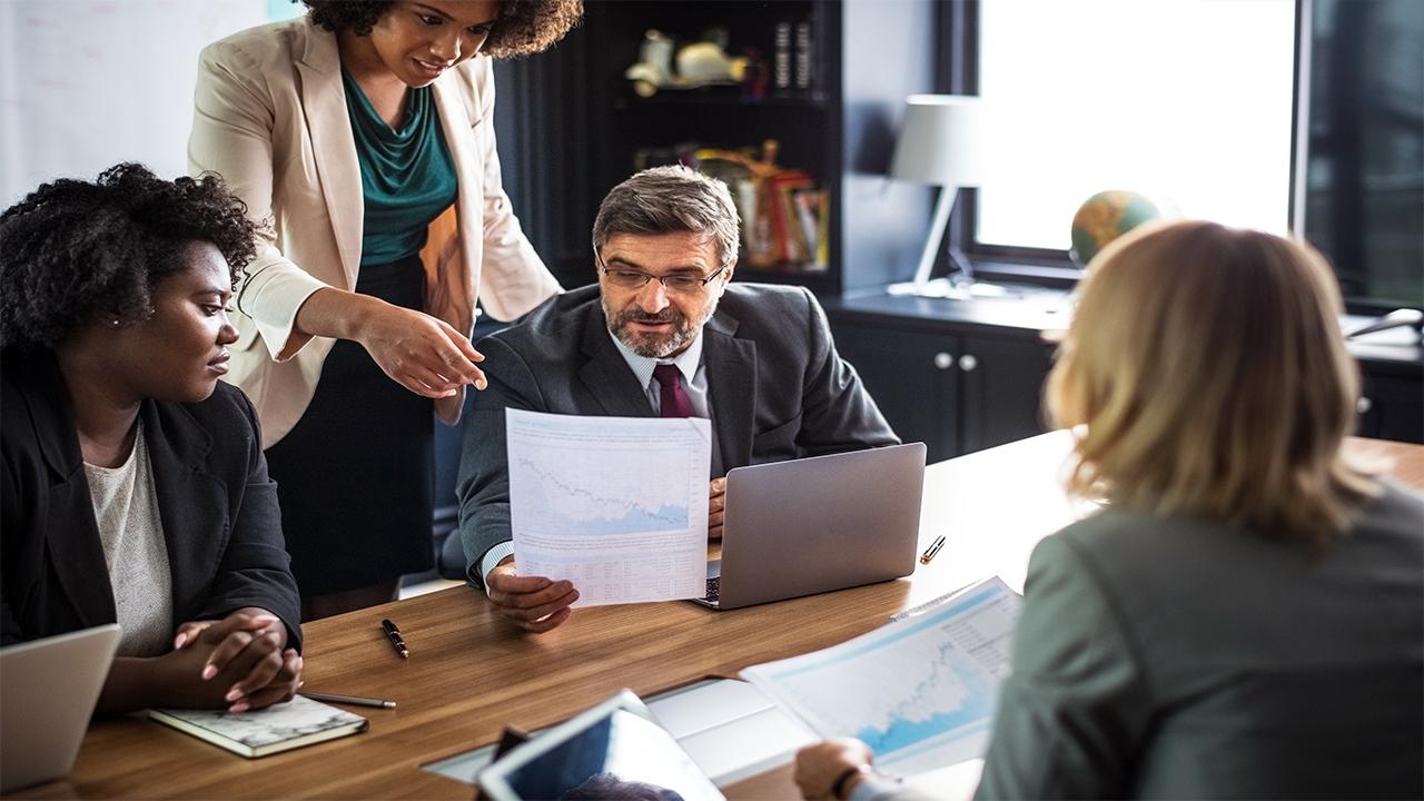 كيف تختار أفضل شركة تسويق رقمي لعملك