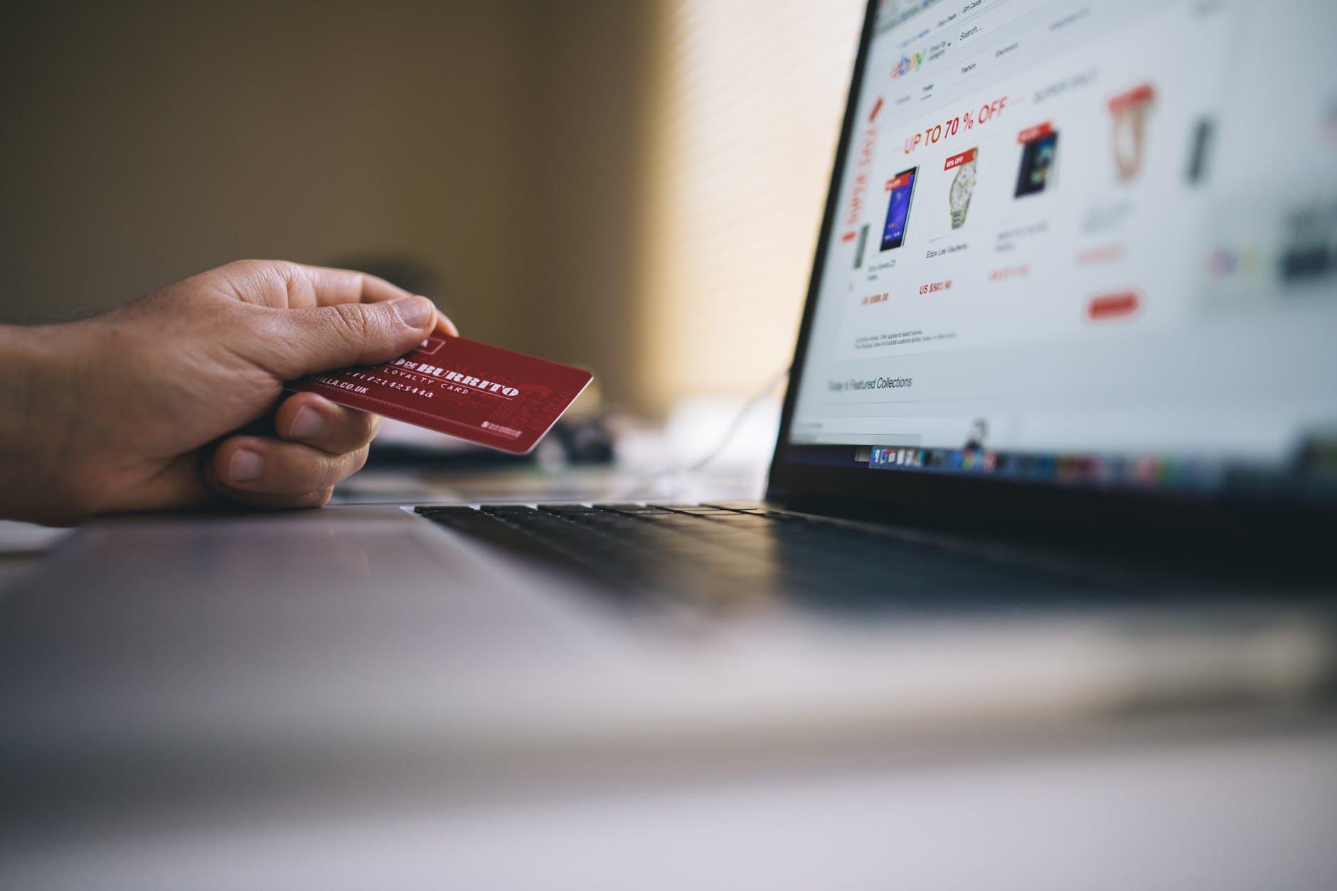 Photo of التجارة الإلكترونية أهميتها والتحديات التي تواجهها