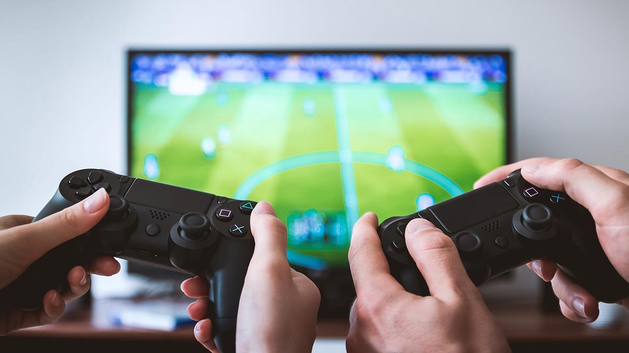 أفضل شاشات الألعاب بأسعار منخفضة